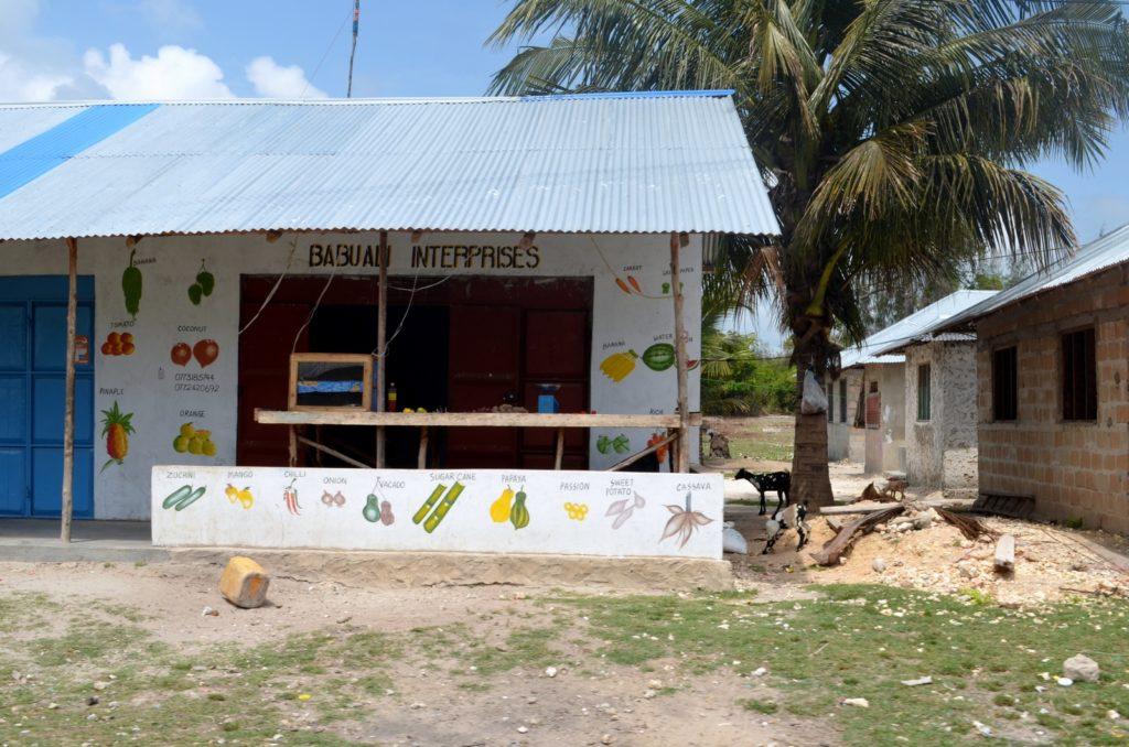 Budynek lokalnego sklepiku na Zanzibarze