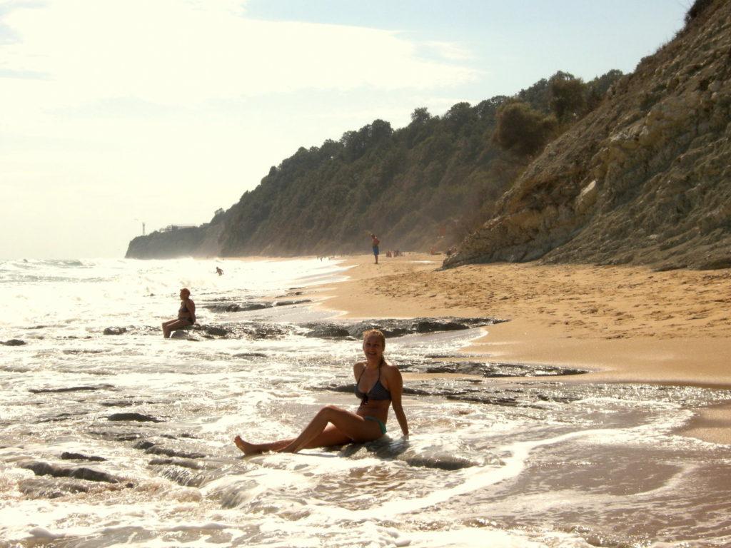 Fale na plaży w Byalej