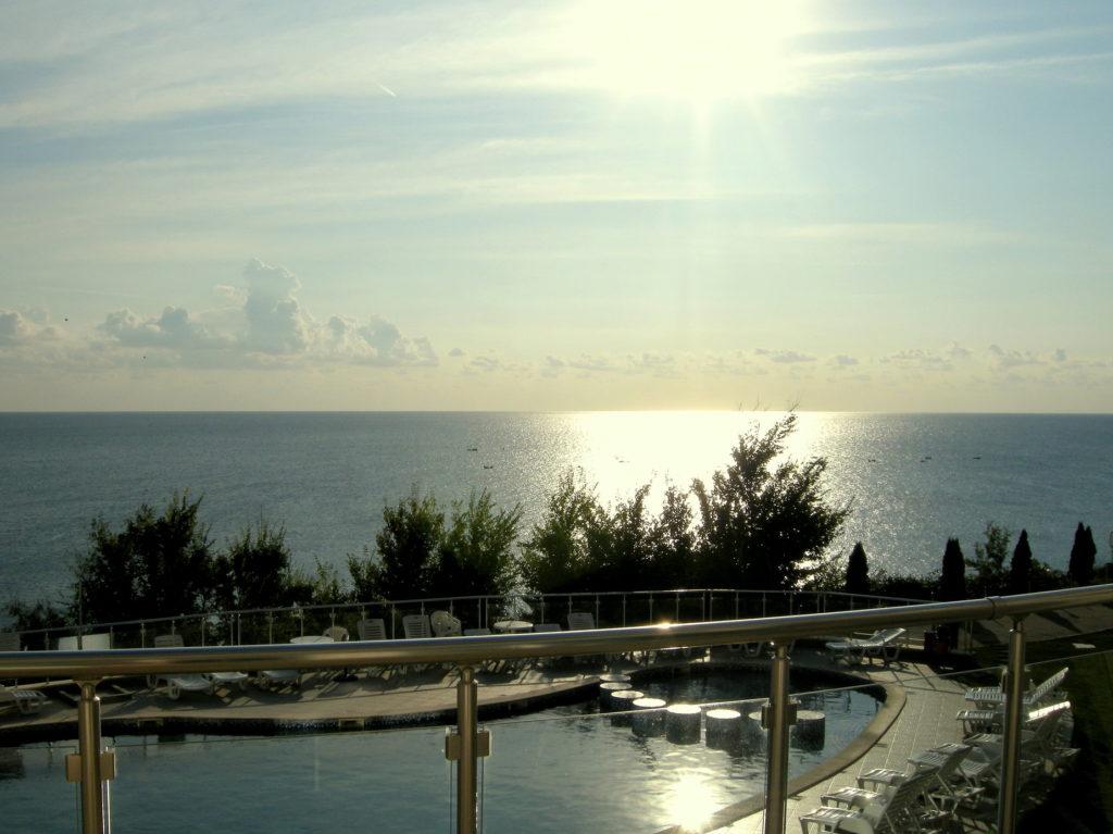 Widok z balkonu hotelowego Bjała Bułgaria